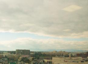 樽前山(リハビリテーション室の窓から)
